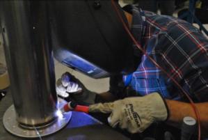 Hand-weld01